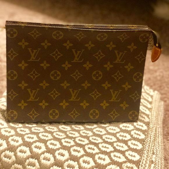 761c7fe3423e Louis Vuitton Handbags - Louis Vuitton toiletry pouch 26 vintage